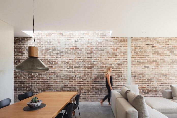 contemporary-two-storey-d-house-located-sydney-marston-architects-04