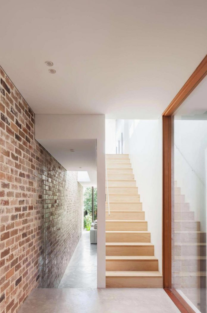 contemporary-two-storey-d-house-located-sydney-marston-architects-07