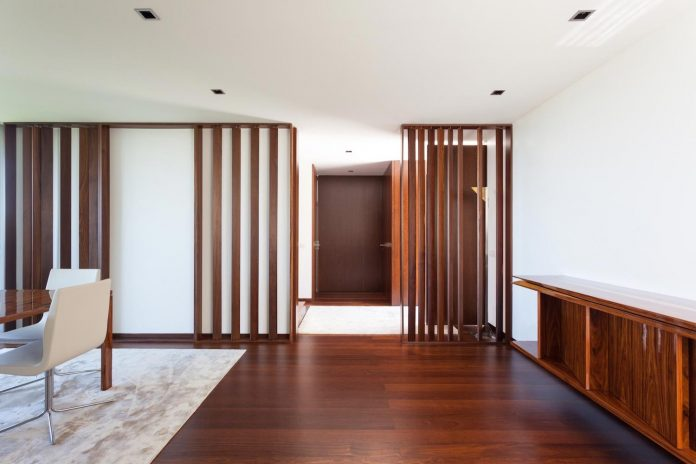 contemporary-two-story-house-s-felix-da-marinha-portugal-designed-nelson-resende-10