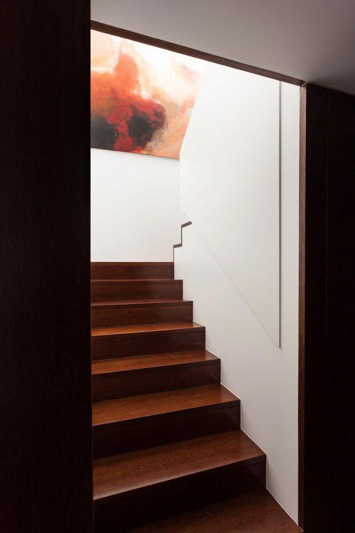 contemporary-two-story-house-s-felix-da-marinha-portugal-designed-nelson-resende-11