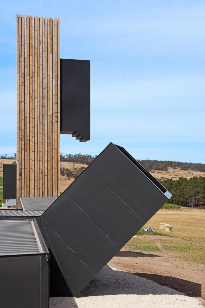 devils-corner-cellar-door-lookout-panoramic-views-freycinet-peninsula-cumulus-studio-02