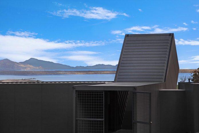 devils-corner-cellar-door-lookout-panoramic-views-freycinet-peninsula-cumulus-studio-05