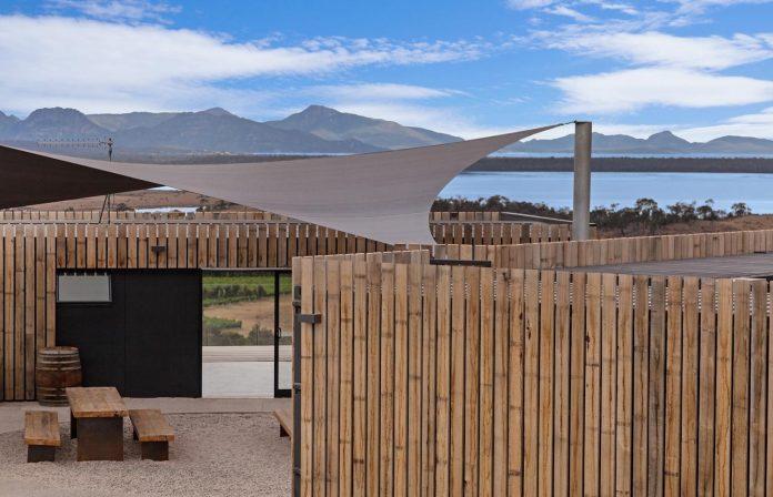 devils-corner-cellar-door-lookout-panoramic-views-freycinet-peninsula-cumulus-studio-13