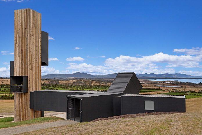 devils-corner-cellar-door-lookout-panoramic-views-freycinet-peninsula-cumulus-studio-14