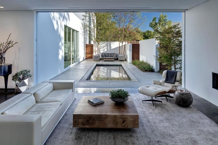 di-luce-white-villa-dallas-morrison-dilworth-walls-03