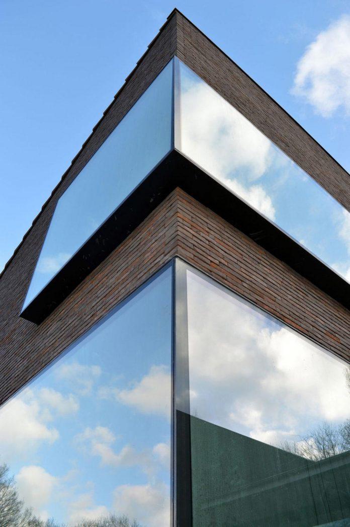 fc-kiekens-home-aalter-belgium-architektuurburo-dirk-hulpia-04