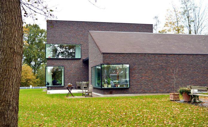 fc-kiekens-home-aalter-belgium-architektuurburo-dirk-hulpia-06