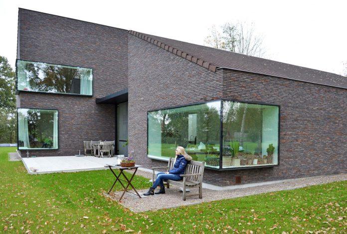 fc-kiekens-home-aalter-belgium-architektuurburo-dirk-hulpia-08