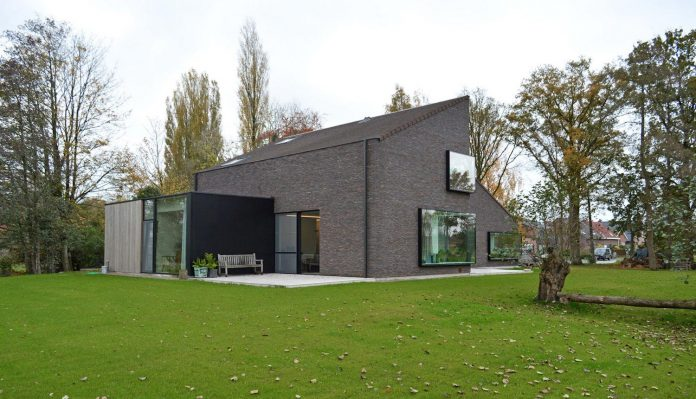 fc-kiekens-home-aalter-belgium-architektuurburo-dirk-hulpia-11