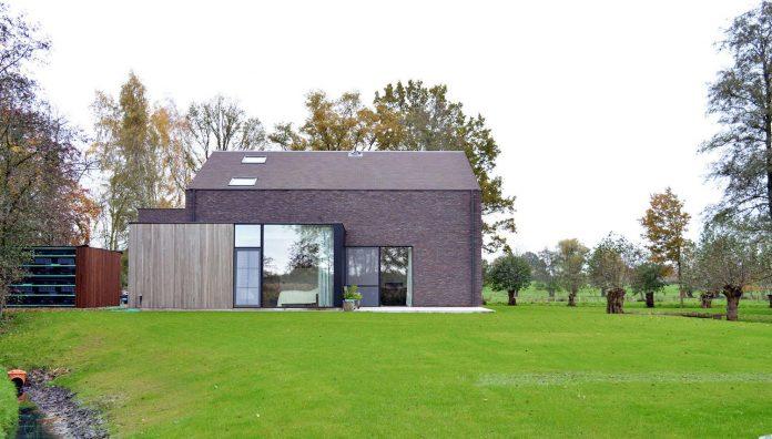 fc-kiekens-home-aalter-belgium-architektuurburo-dirk-hulpia-12