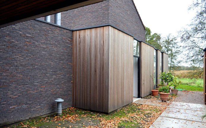 fc-kiekens-home-aalter-belgium-architektuurburo-dirk-hulpia-14
