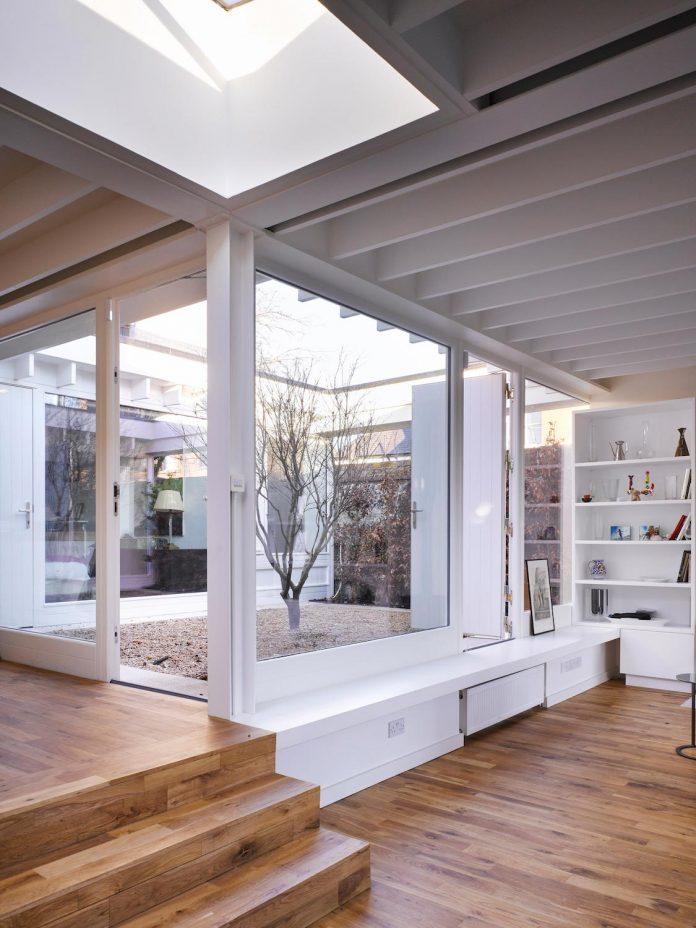 floating-plane-hidden-garden-dublin-ireland-mccullough-mulvin-architects-01