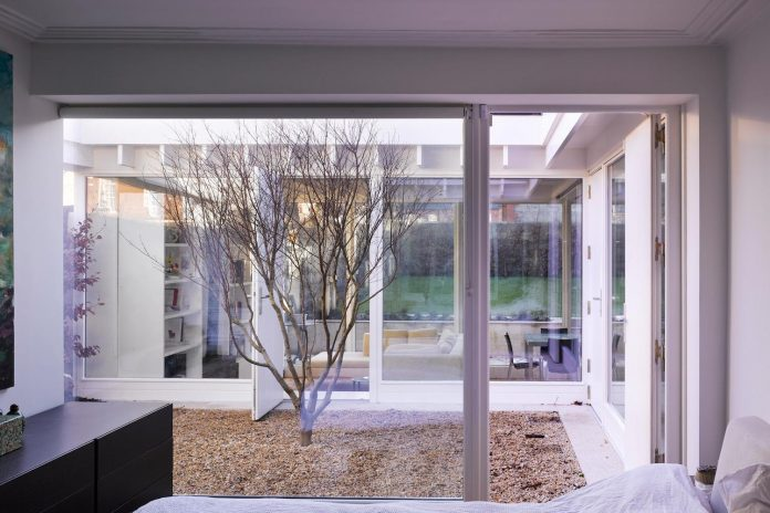 floating-plane-hidden-garden-dublin-ireland-mccullough-mulvin-architects-02