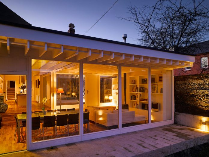 floating-plane-hidden-garden-dublin-ireland-mccullough-mulvin-architects-07