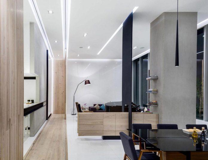 gh-mild-clean-apartment-light-toned-wood-white-stone-black-metalwork-archetonic-05