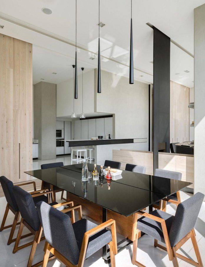 gh-mild-clean-apartment-light-toned-wood-white-stone-black-metalwork-archetonic-12