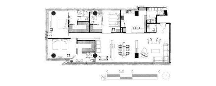 gh-mild-clean-apartment-light-toned-wood-white-stone-black-metalwork-archetonic-16