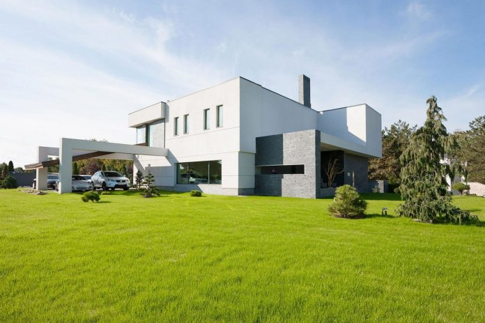 h-01-modern-two-storey-villa-azovskiy-pahomova-architects-03