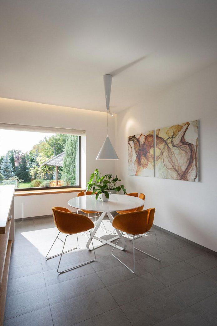 h-01-modern-two-storey-villa-azovskiy-pahomova-architects-17