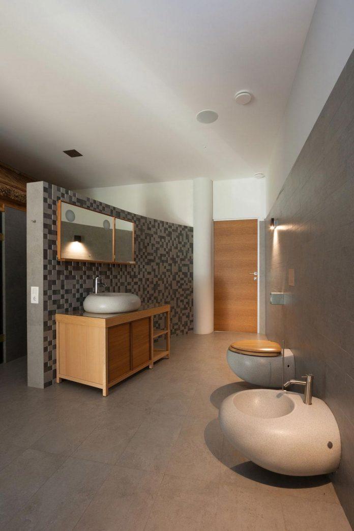 h-01-modern-two-storey-villa-azovskiy-pahomova-architects-22
