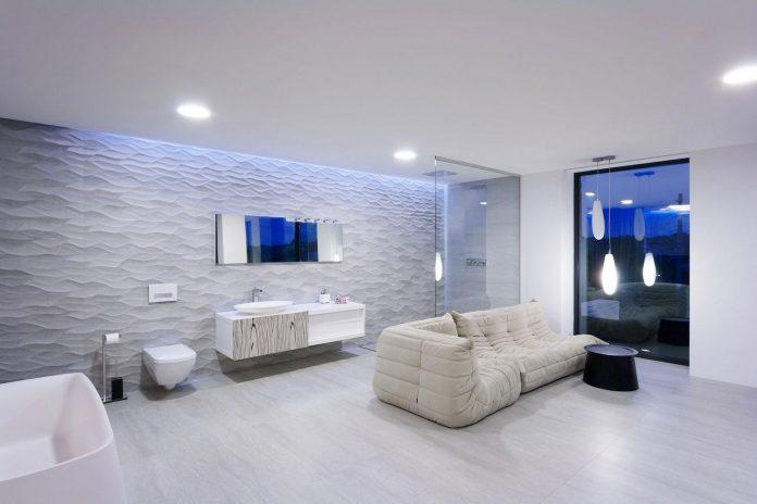 h-01-modern-two-storey-villa-azovskiy-pahomova-architects-23