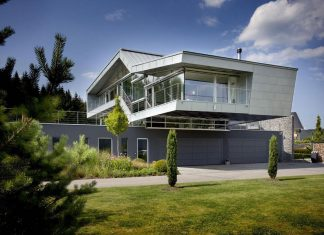 High-Tech Modern Villa for an engineer designed by Eppler + Bühler