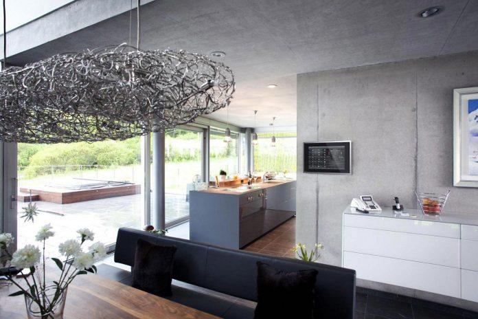 high-tech-modern-villa-engineer-designed-eppler-buhler-12