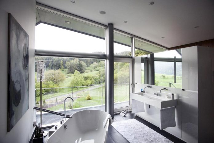high-tech-modern-villa-engineer-designed-eppler-buhler-16