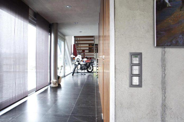 high-tech-modern-villa-engineer-designed-eppler-buhler-18