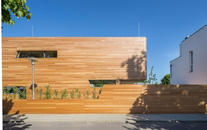 holistic-living-eco-friendly-wooden-single-family-house-two-semi-detached-houses-graft-06