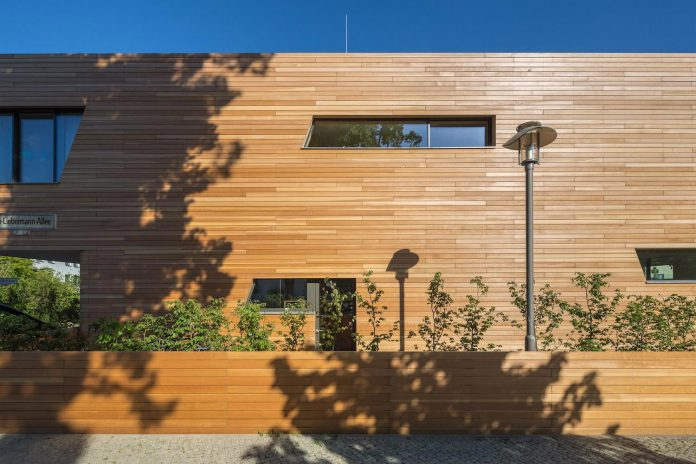 holistic-living-eco-friendly-wooden-single-family-house-two-semi-detached-houses-graft-08