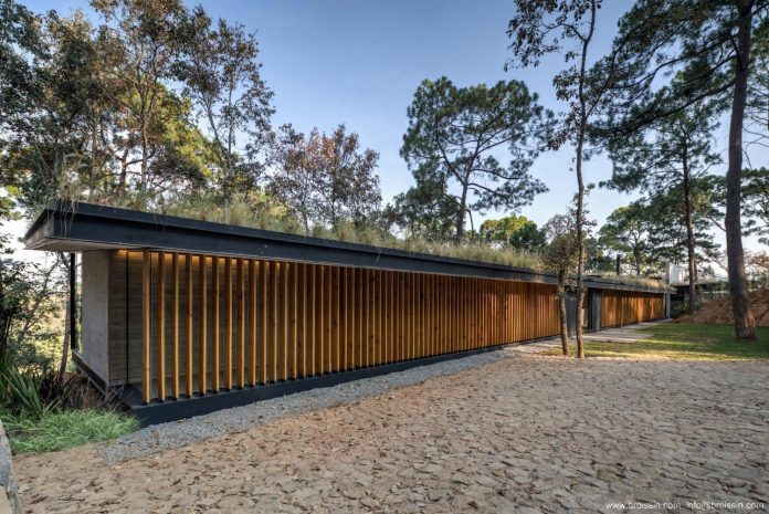 irekua-anatani-house-located-valle-de-bravo-mexico-designed-broissin-03