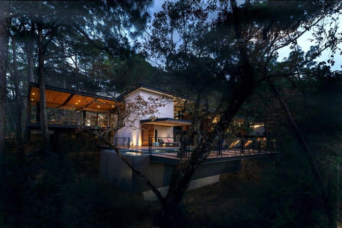 irekua-anatani-house-located-valle-de-bravo-mexico-designed-broissin-16