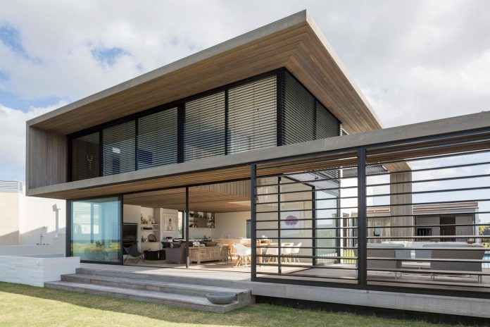 julian-guthrie-design-tuatua-house-generous-family-holiday-home-coastal-subdivision-03