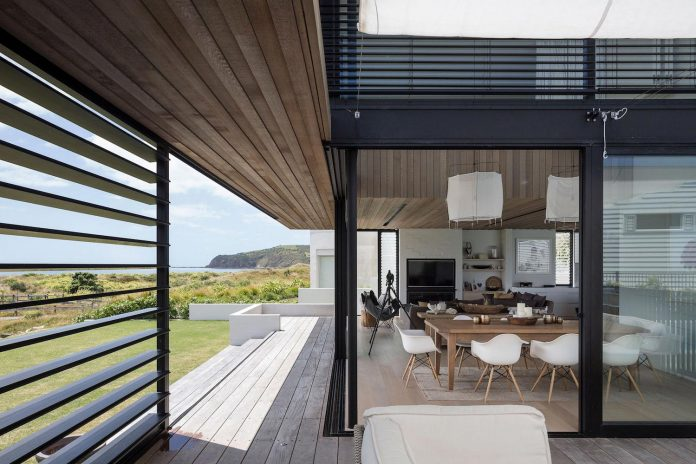 julian-guthrie-design-tuatua-house-generous-family-holiday-home-coastal-subdivision-04