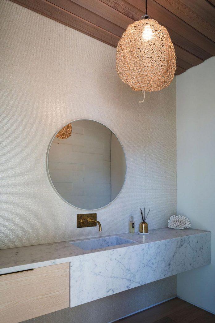 julian-guthrie-design-tuatua-house-generous-family-holiday-home-coastal-subdivision-25