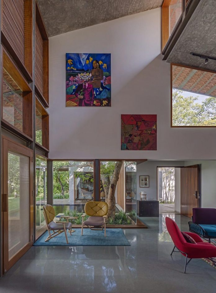 krishnan-house-16000-square-foot-green-surroundings-khosla-associates-07
