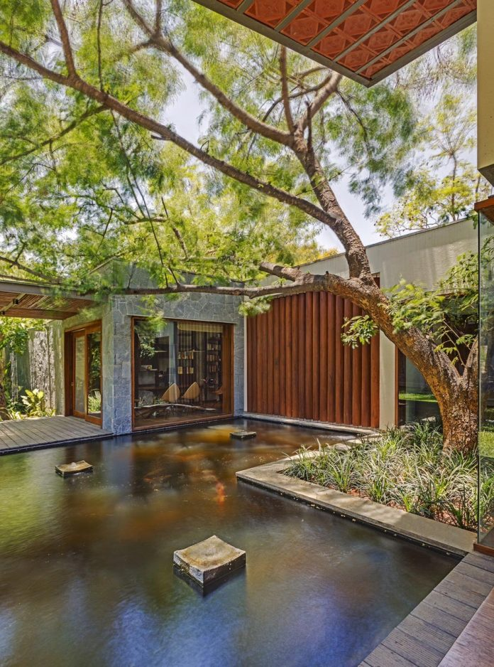 krishnan-house-16000-square-foot-green-surroundings-khosla-associates-08