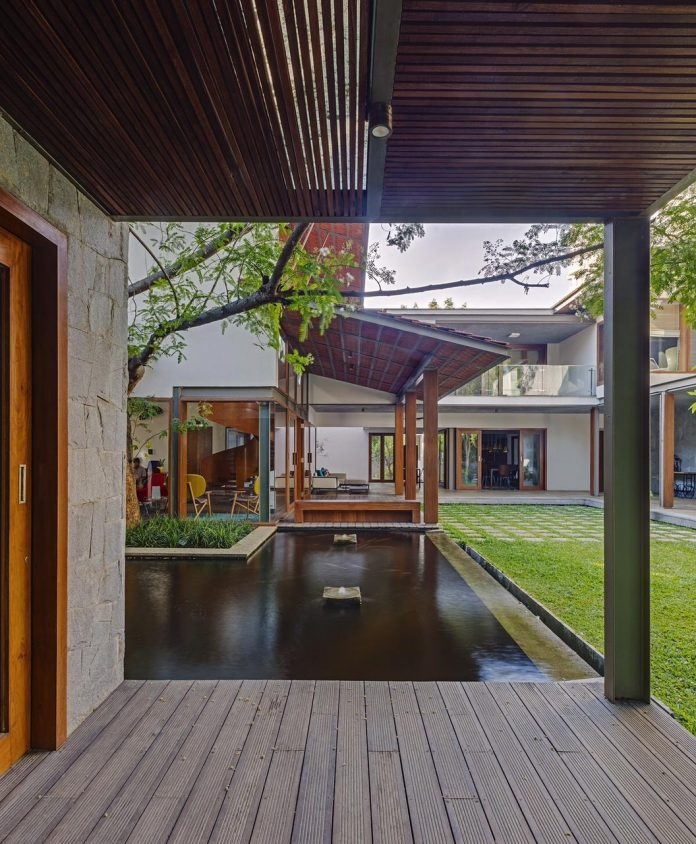 krishnan-house-16000-square-foot-green-surroundings-khosla-associates-11
