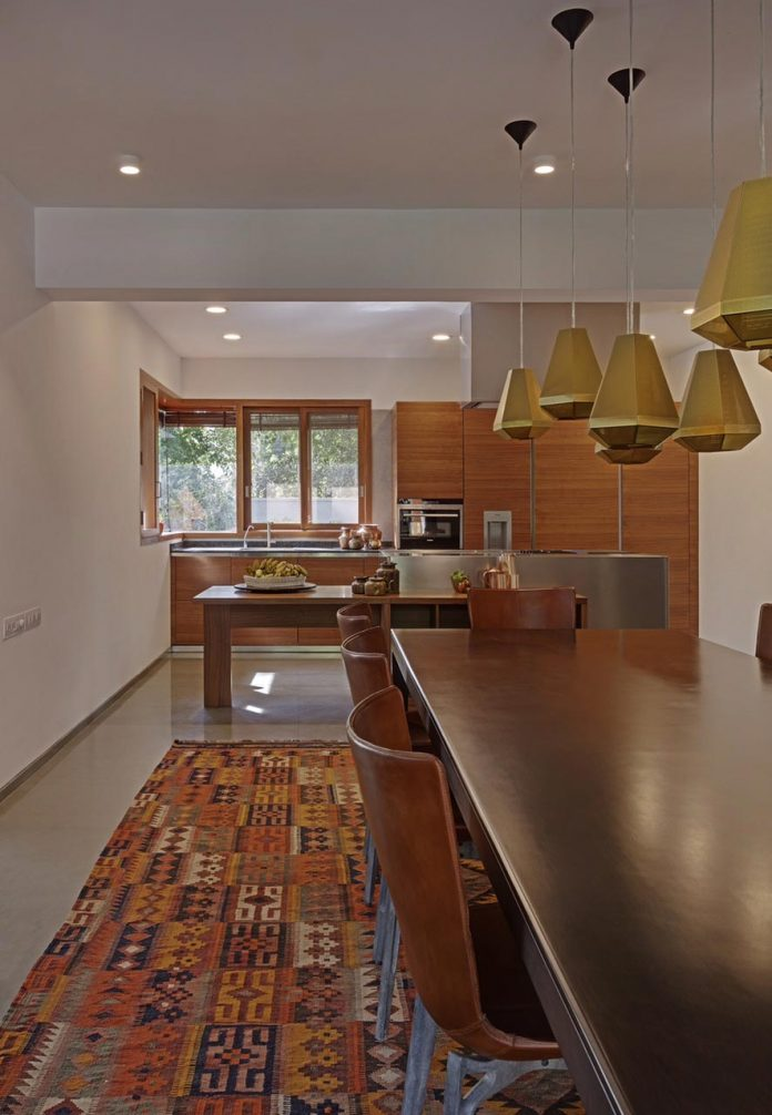 krishnan-house-16000-square-foot-green-surroundings-khosla-associates-13