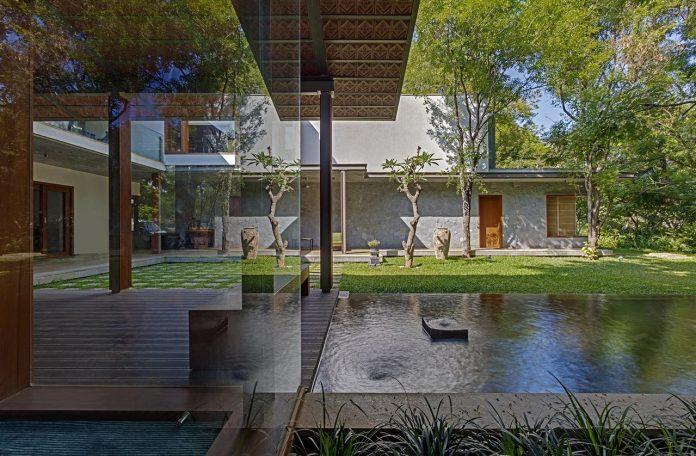 krishnan-house-16000-square-foot-green-surroundings-khosla-associates-18