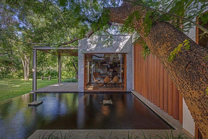 krishnan-house-16000-square-foot-green-surroundings-khosla-associates-19