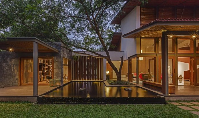 krishnan-house-16000-square-foot-green-surroundings-khosla-associates-21