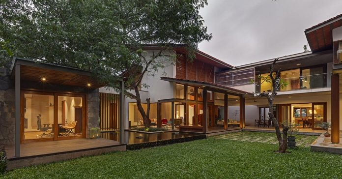 krishnan-house-16000-square-foot-green-surroundings-khosla-associates-22