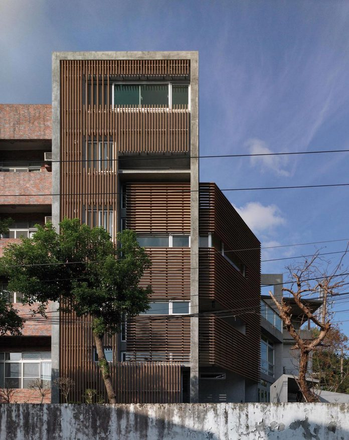 lack-space-ys114-house-developed-vertically-preposition-architecture-03