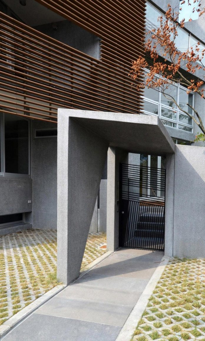 lack-space-ys114-house-developed-vertically-preposition-architecture-06