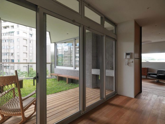 lack-space-ys114-house-developed-vertically-preposition-architecture-09