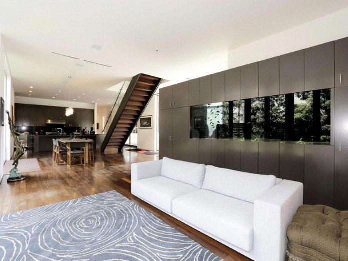 lesem-house-houstons-southampton-neighborhood-stern-bucek-architects-07