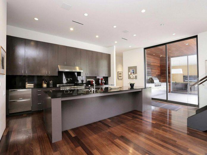 lesem-house-houstons-southampton-neighborhood-stern-bucek-architects-10