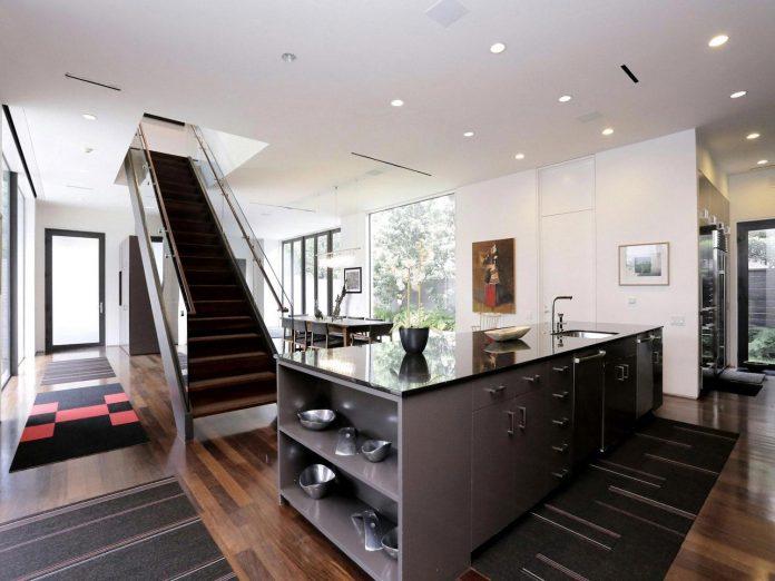 lesem-house-houstons-southampton-neighborhood-stern-bucek-architects-12
